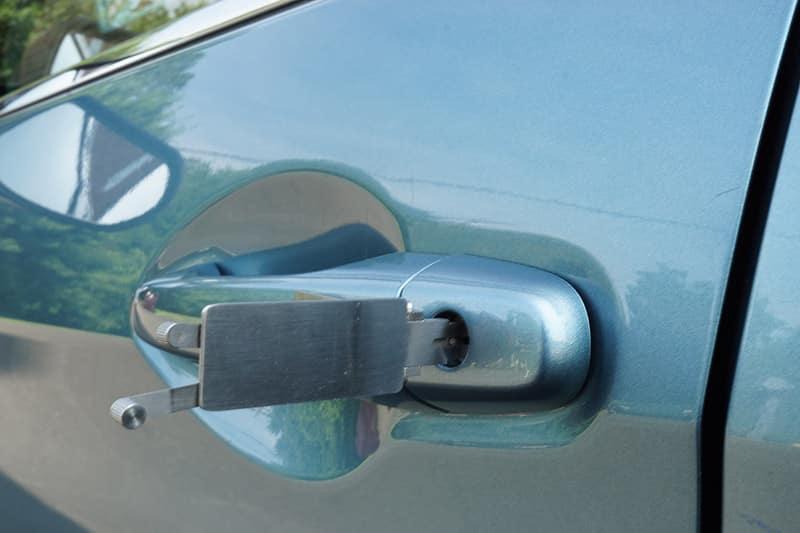 blue car unlocking
